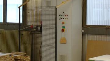 A porelszívás, anyag-áttárolás vezérlése energia-takarékos frekvenciaszabályozott vezérléssel